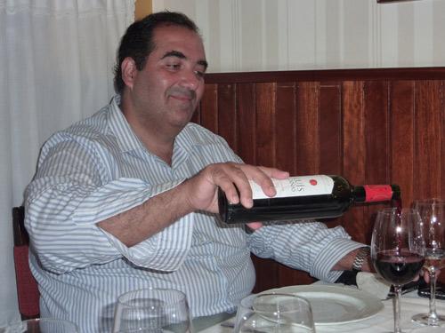 Restaurante y Mesón Manolito en La Coruña. Federico en el comedor de Manolito