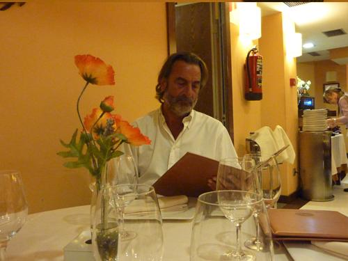 Santiago Togores critico gastronómico de Fedegustando en el Asador Frontón
