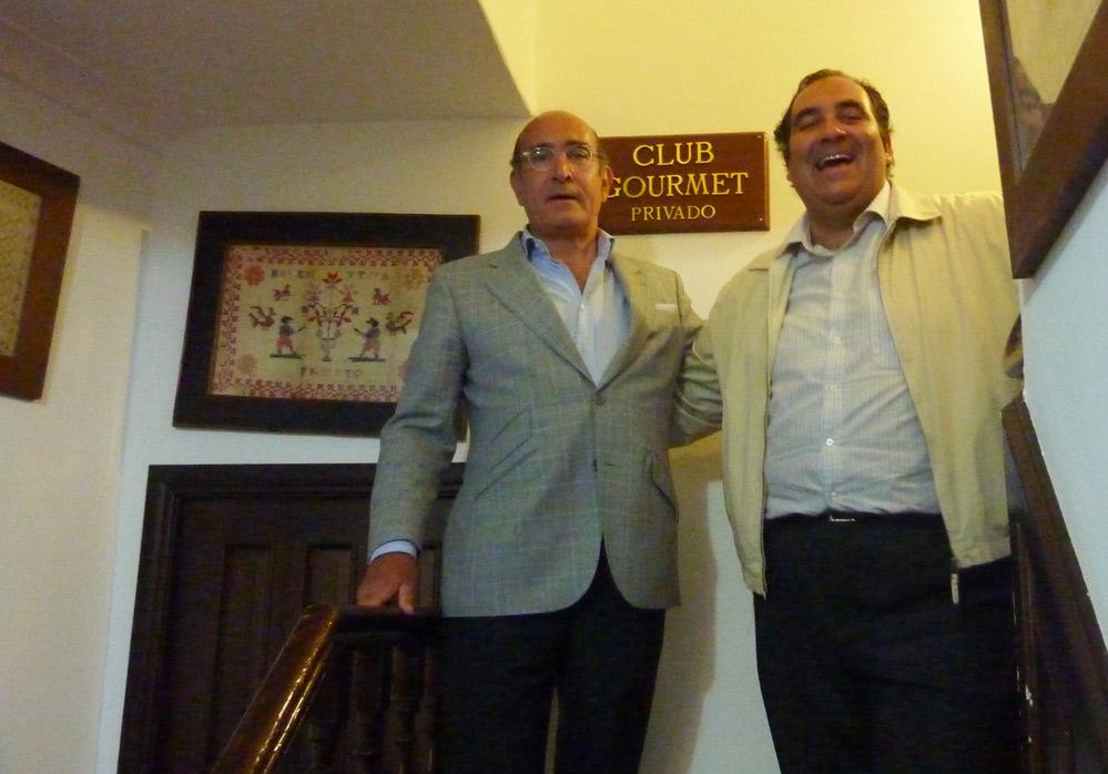 Joaquín y Fede en la entrda del Club