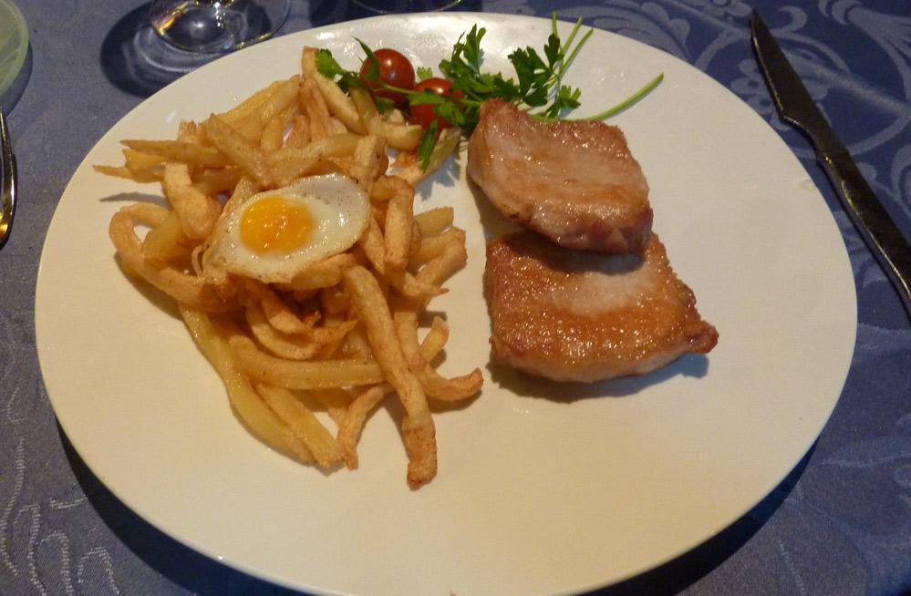 lomo ibérico con patatas y huevo