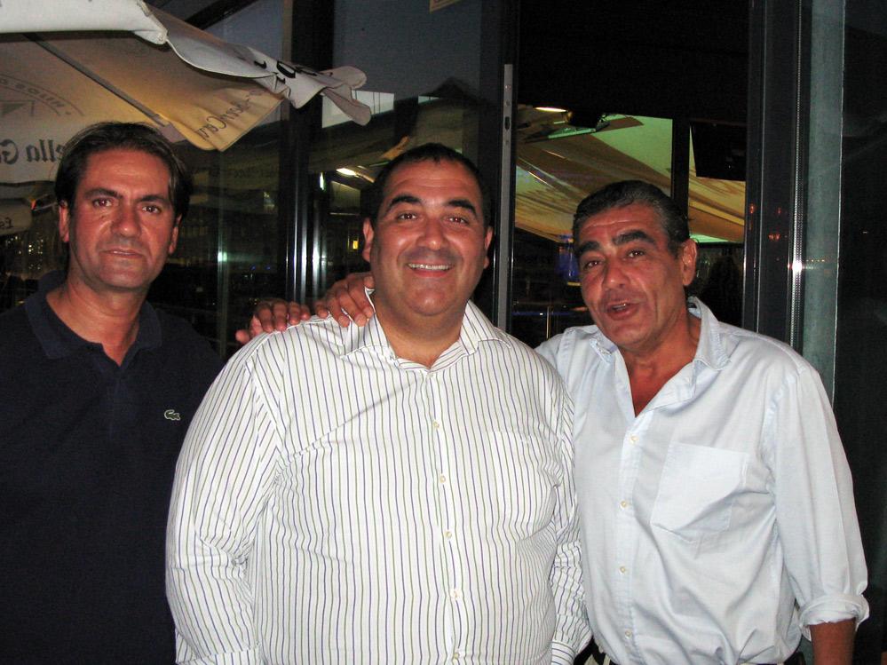 Carlos Vázquez  y Rafa Tovar propietarios de Nemo Bar con Fede