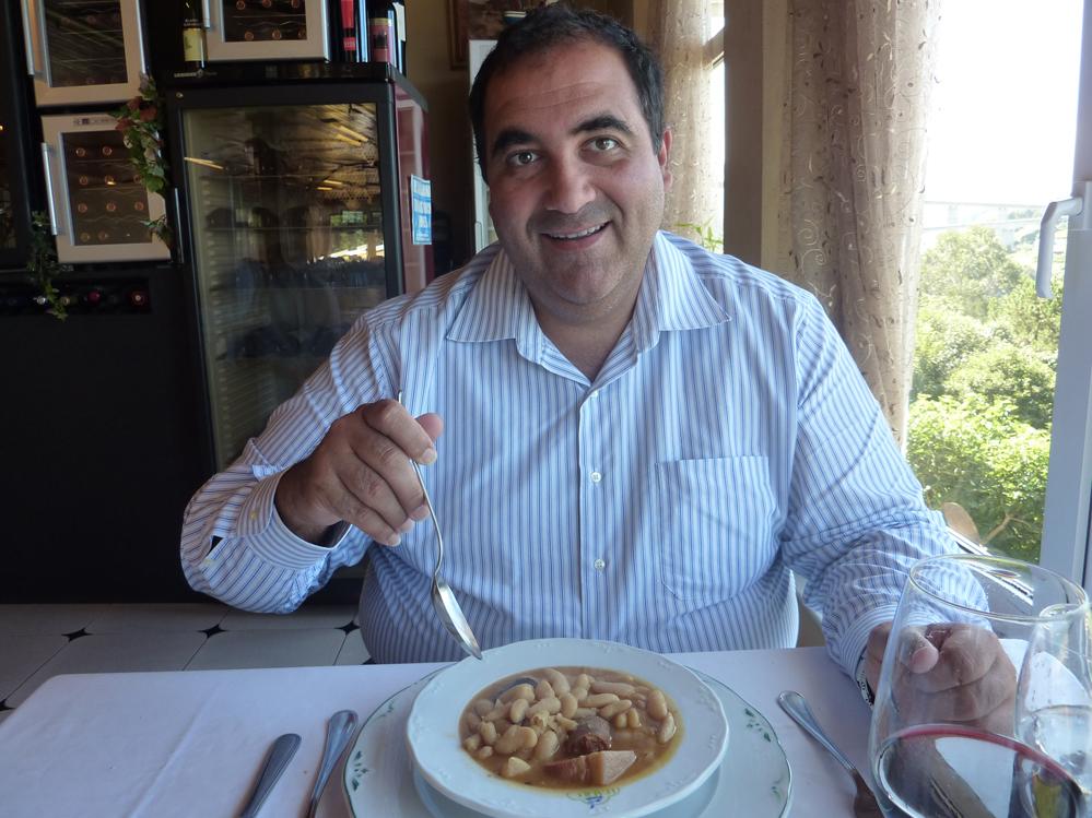 Preparándome para comer la fabada asturiana