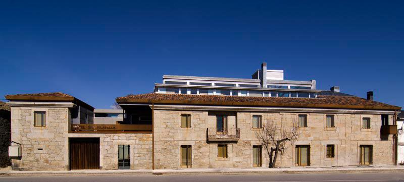 Hotel & spa Vilavella en A Mezquita, Ourense. edificio-antiguo-rehabilitado