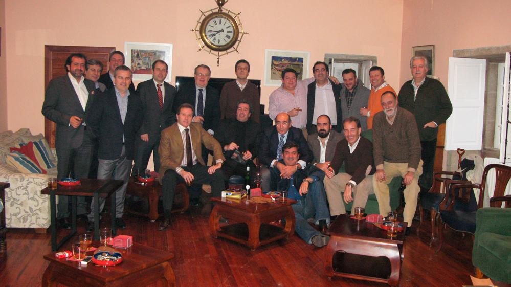 Foto de familia del grupo asistente