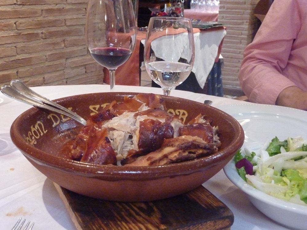 Gastronomía castellana en el Fogón del Salvador de Soria. Cochinilla
