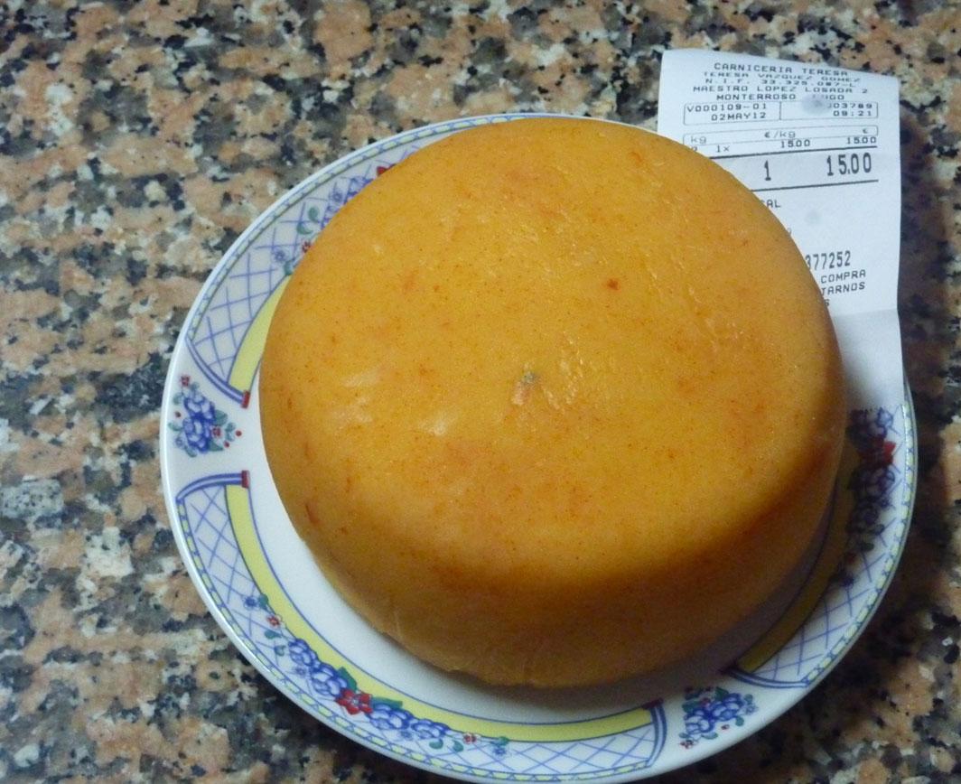 Queso curado en aceite de hacer chorizos en la villa de Monterroso Lugo. Queso curado en aceite de chorizo
