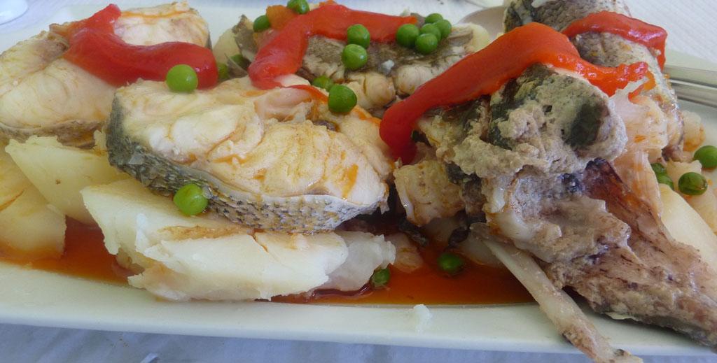 Restaurante  Beiramar en pueblo de Caion en Laracha. Caldeira de pescado