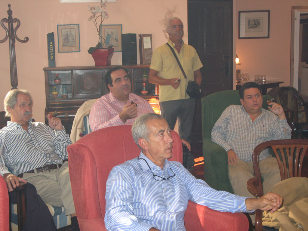 Jesús Cabaleiro presentando el Habano Partagás Serie E nº-2