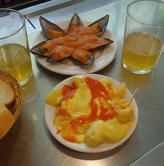 La Mejillonera en San Sebastián, Raciones de mejillones y bravas