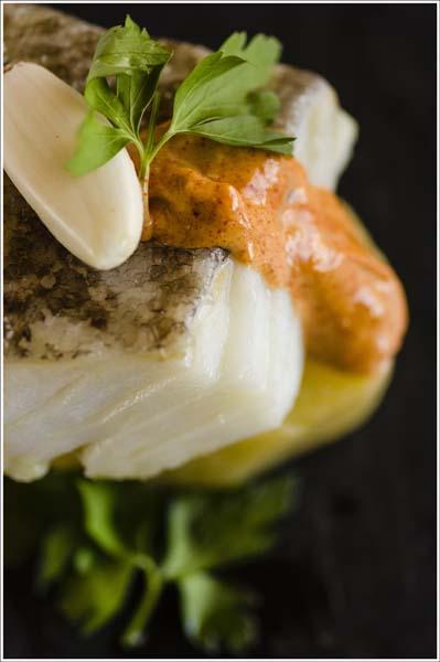 Patatas y bacalao confitado con alioli de piment Comei Bebei - jornadas bacalao Alt