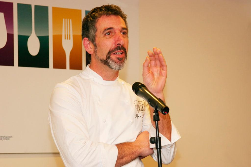 Pepe Solla presentando el evento