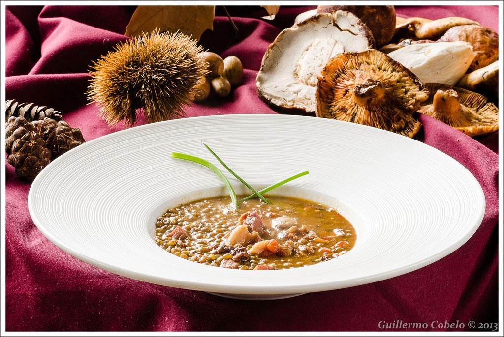 Cata Mas de Bazán de uvas tempranillo y syrah, maridado con plato de cuchara