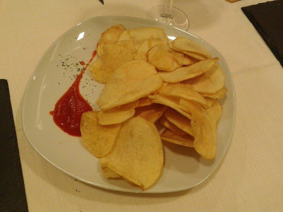 Namoreira restaurante en La Coruña Patatas fritas con salda de pimiento de piquillo