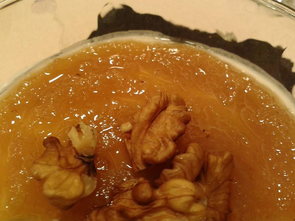 Namoreira restaurante en La Coruña - mousse de queso de Cebreiro con membrilloY NUECES