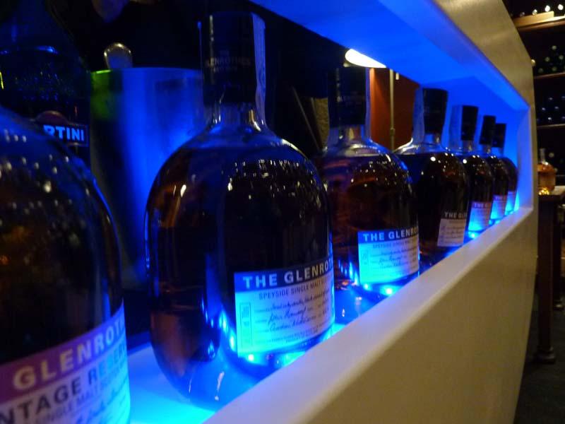 Maridando whisky The Glenrothes con vinilos en la Estación de Cambre
